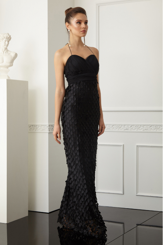 Black lace sleeveless maxi dress
