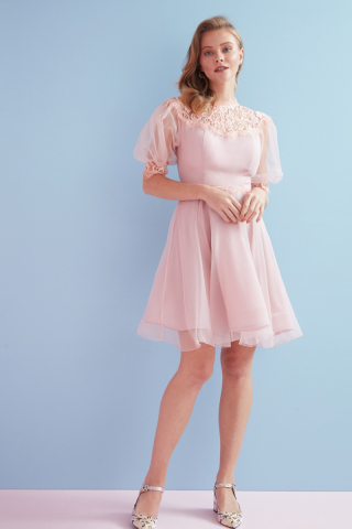 Light pink tulle short sleeve midi dress